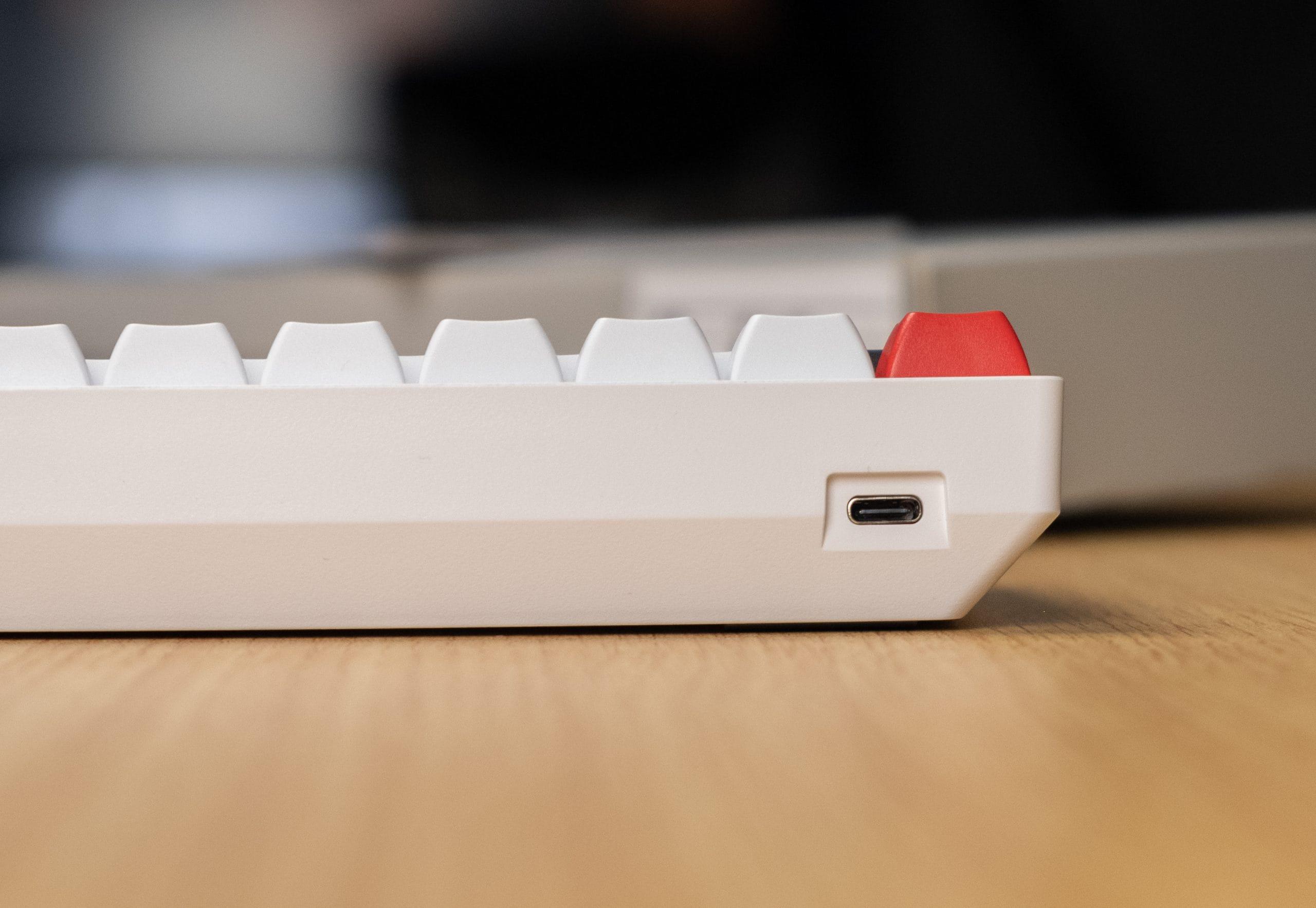 AK61 - USB Port