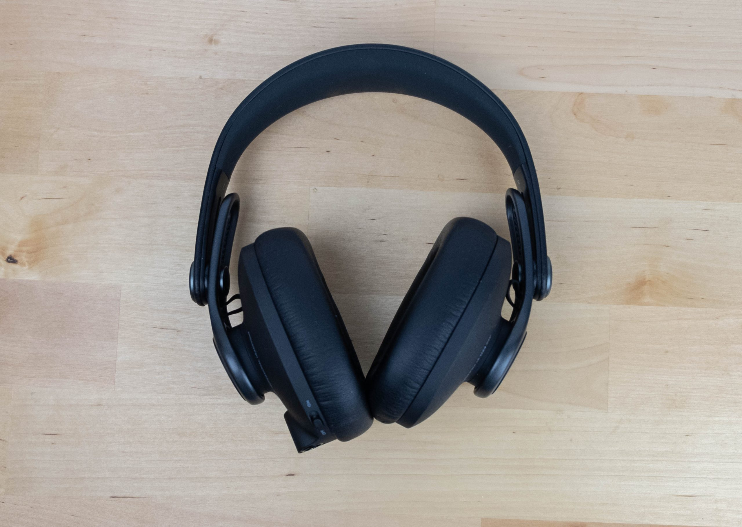 AKG K371 BT - Top Down