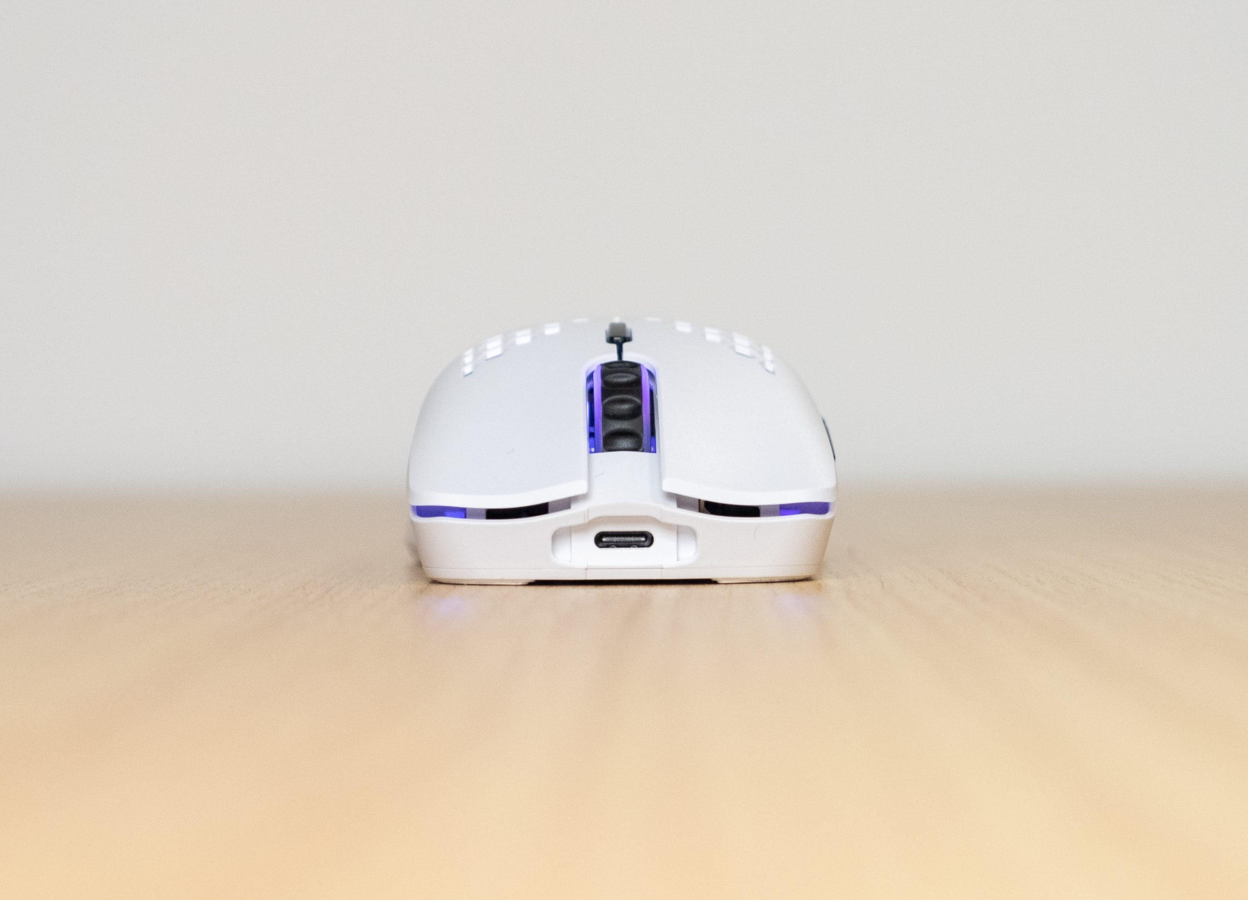 Glorious Model O Wireless - Front