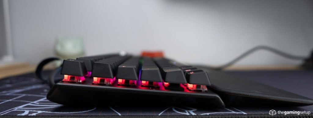 Steelseries Apex Pro Keyboard - Side view, feet down
